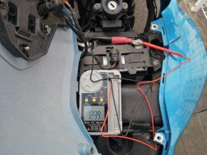 F650GSのバッテリー電圧を計測